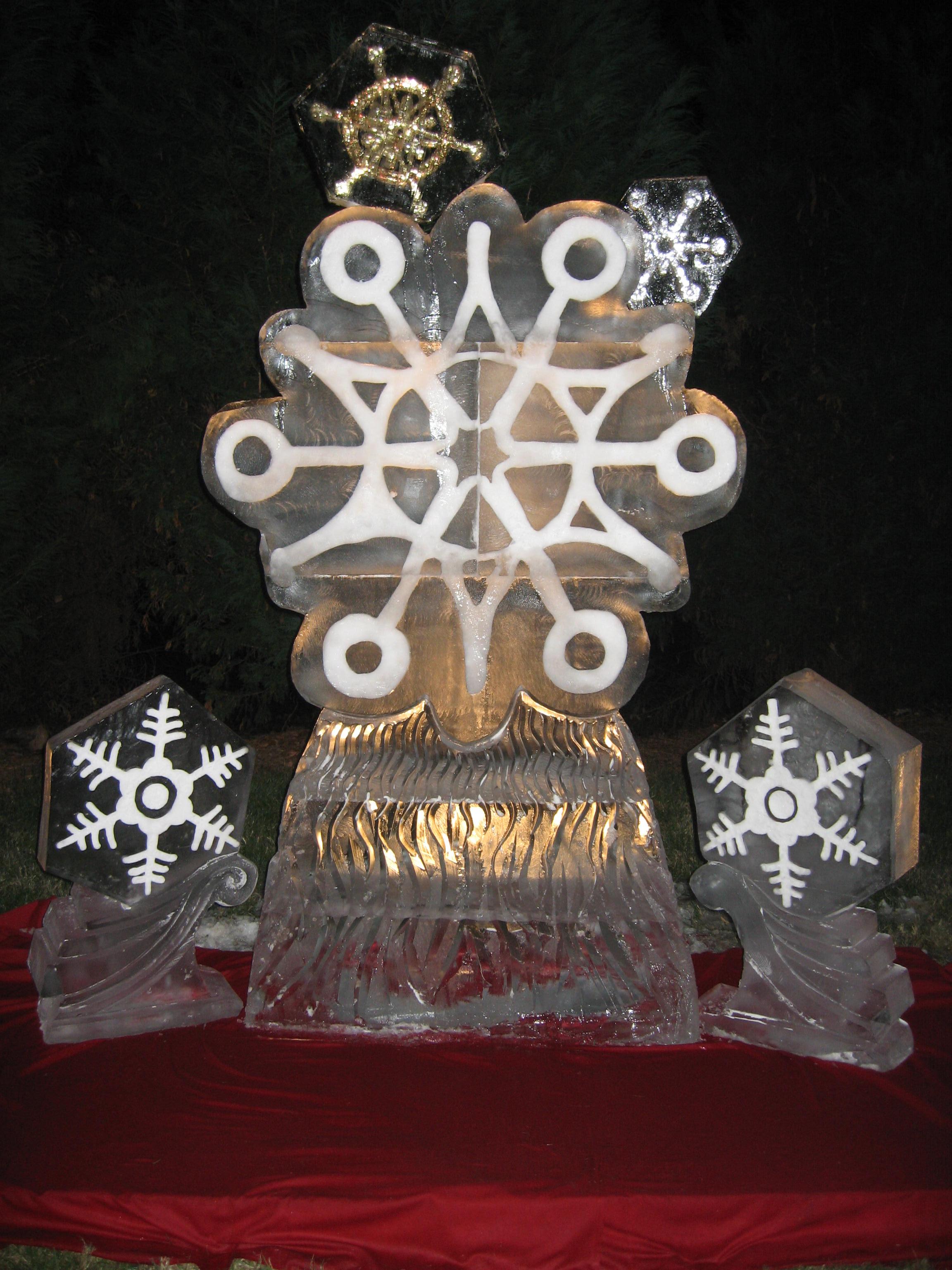 christmas-ice-sculptures-08 - Artisan Ice Sculptures